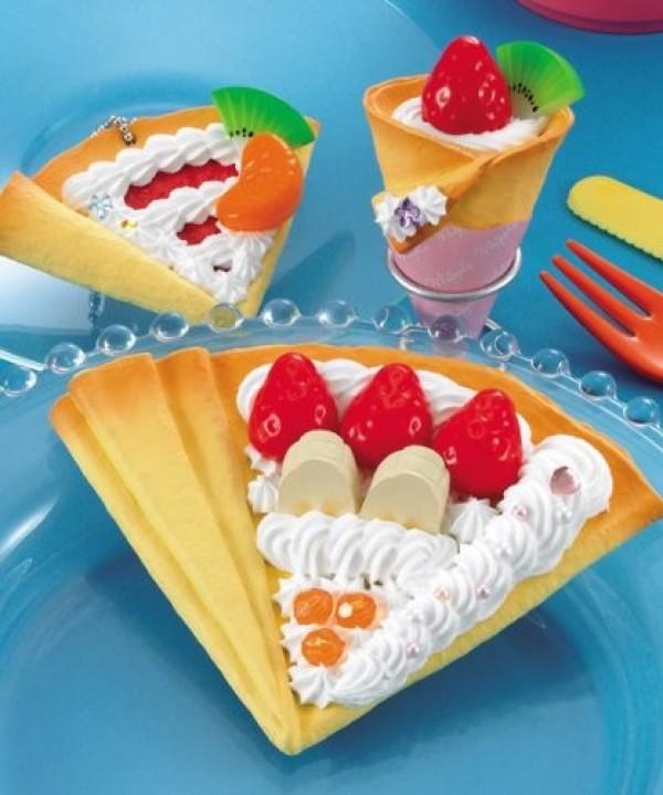 Epoch Hoipuru pancakes with cream